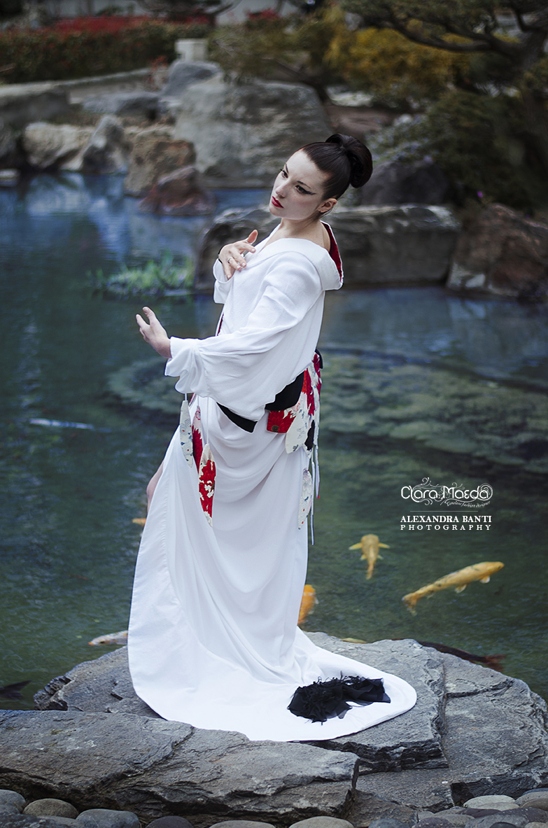 robe grue, tsuru dress